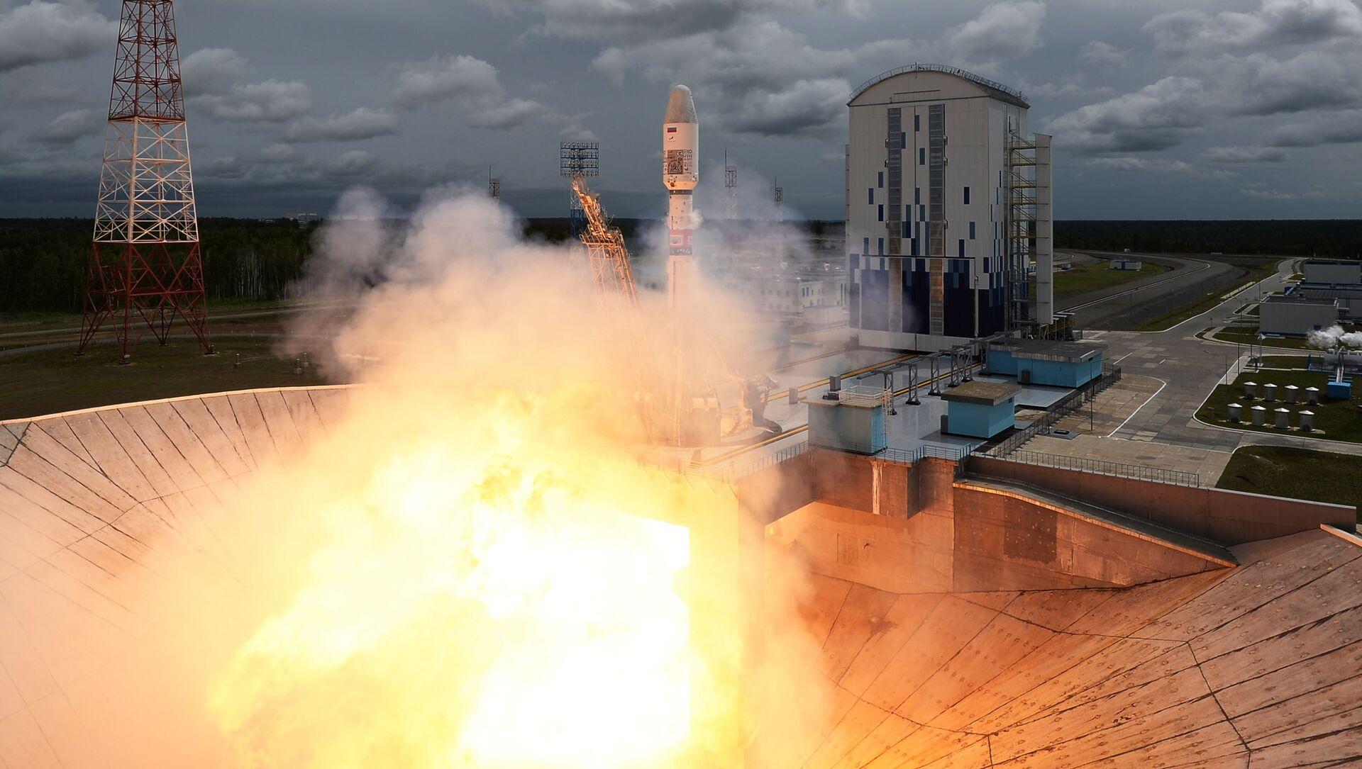 Lansiranje rakete-nosača Sojuz  - Sputnik Srbija, 1920, 26.04.2021
