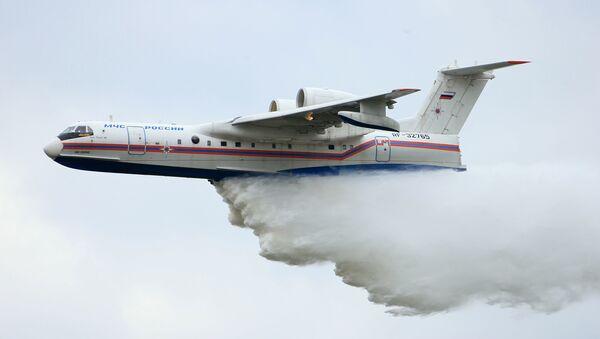 Avion-amfibija Be-200 gasi požar u Krasnojarskoj oblasti - Sputnik Srbija