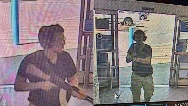 Сигурносне камере снимиле су Патрика Крусиуса приликом упада у тржни центар Волмарт у Ел Пасу. - Sputnik Србија