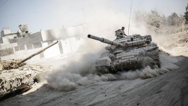 Припадници сиријске армије у предграђу Дамаска током борби са терористима - Sputnik Србија