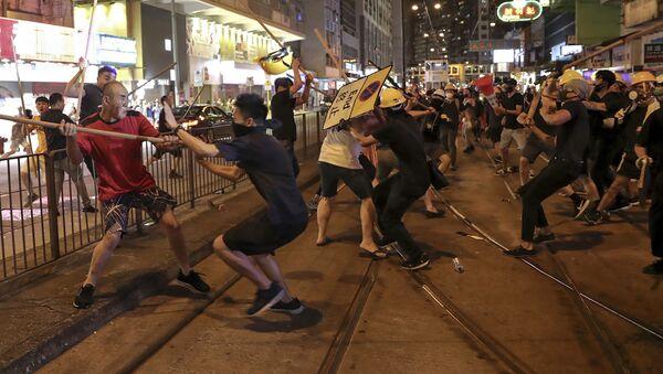 Sukobi demonstranata u Hongkongu - Sputnik Srbija