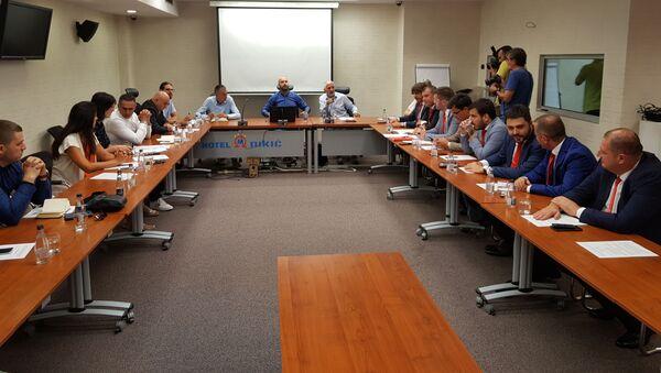 """Представници покрета """"Одупри се: 97.000"""" и опозиције одржали су данас састанак потписника """"Споразума о будућности"""" - Sputnik Србија"""