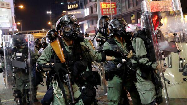 Кинеска полиција на улицама Хонгконга - Sputnik Србија