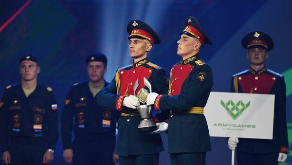 Додела нагарада победницима тенковског биатлона - Sputnik Србија