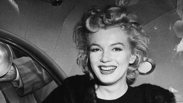 Мерилин Монро снимљена јендом приликом по доласку у Њујорк - Sputnik Србија