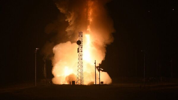 Лансирање интерконтиненталне балистичке ракете - Sputnik Србија