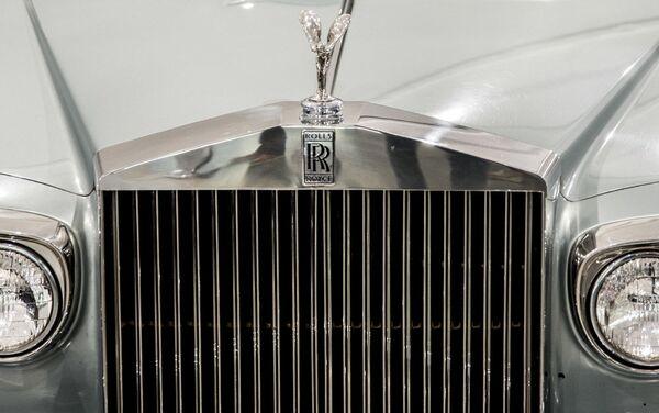 Аутомобил Rolls Royce Corniche Saloon у Музеју краљевских аутомобила у бившој резиденцији иранског шаха Мухамеда Резе Пахлавија - Sputnik Србија