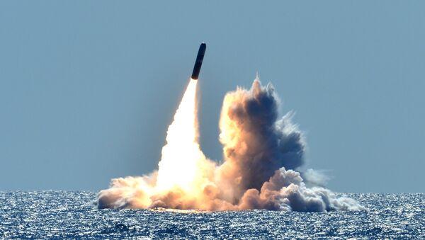 Лансирање америчке ракете Трајдент II Д5 са подморнице Небраска на обали Калифорније - Sputnik Србија