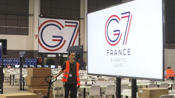Припремање сале за предстојећи самит Г7 у Бијарицу у Француској - Sputnik Србија