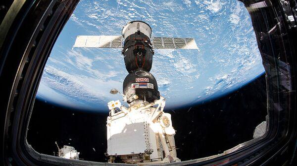 Брод Сојуз МС 12 укотвљен на Међународну свемирску станицу - Sputnik Србија