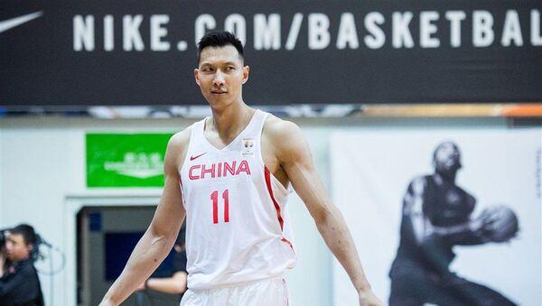 Ji Đianlijan, košarkaš reprezentacije Kine - Sputnik Srbija