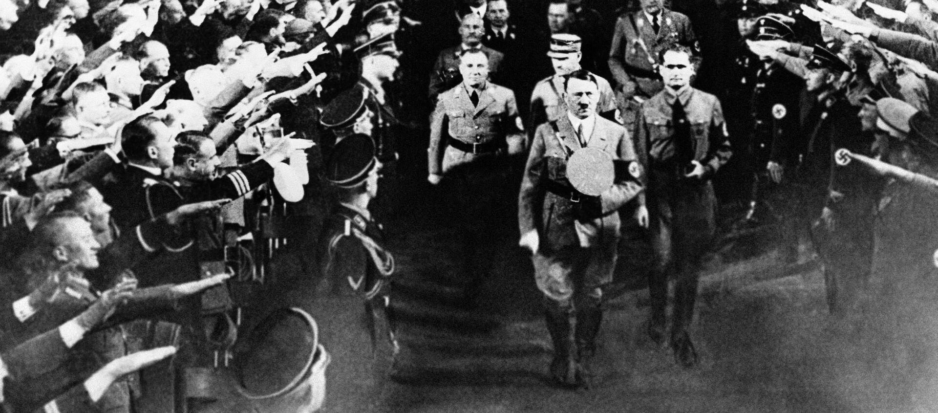 Адолф Хитлер - Sputnik Србија, 1920, 19.04.2020