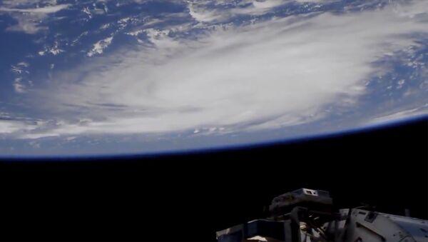 Ураган Доријан  снимљен из свемира - Sputnik Србија