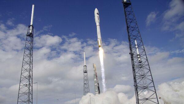 Лансирање орбиталног авиона X-37B - Sputnik Србија