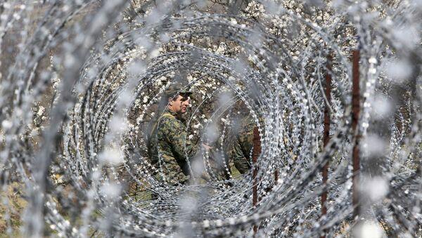 Грузијски војник на граници са Јужном Осетијом - Sputnik Србија