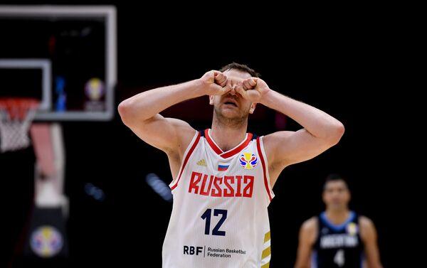 Košarkaš Rusije Andrej Zubkov nakon utakmice protiv Argentine na Svetskom prvenstvu u košarci u Kini - Sputnik Srbija
