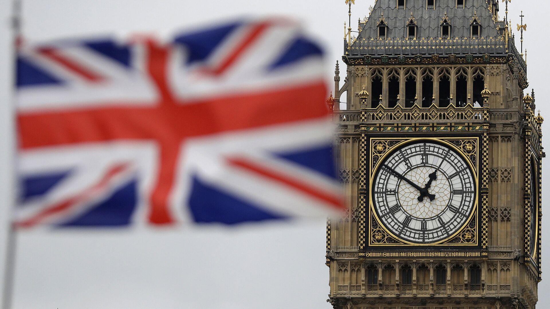 Застава Велике Британије испред Биг Бена у Лондону. - Sputnik Србија, 1920, 14.10.2021