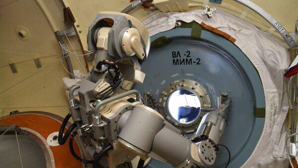 Робот Фјодор у орбити Међународне свемирске станице - Sputnik Србија
