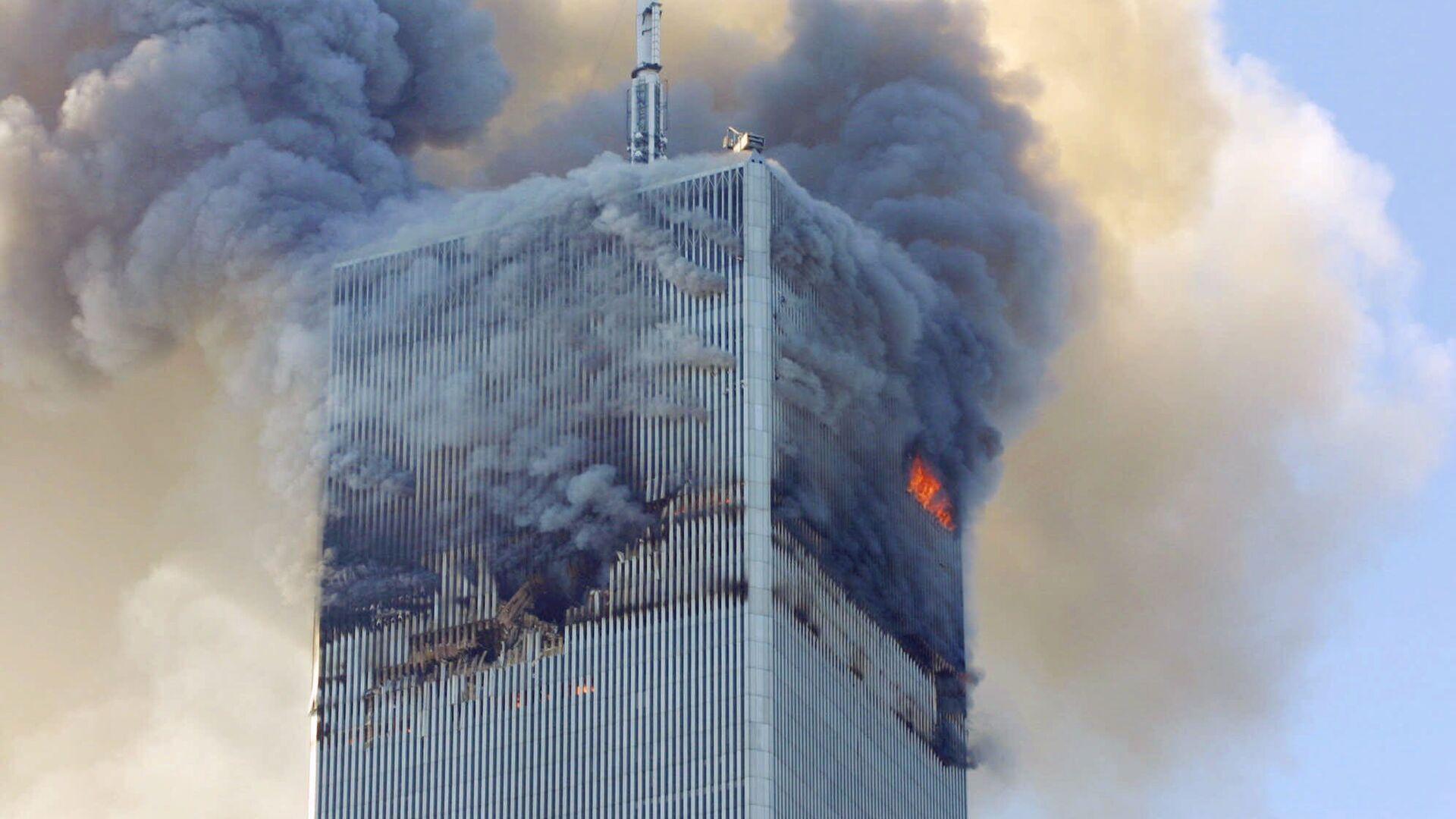 Једна од кула у Њујорку која је нападнута 11. септембра - Sputnik Србија, 1920, 03.09.2021