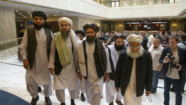 Talibanska delegacija u Moskvi 28. maja 2019, nakon sedme runde mirovnih pregovora sa predstavnicima SAD u Kataru. - Sputnik Srbija