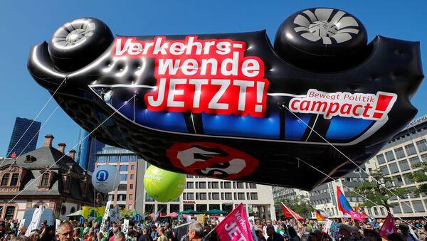 Protest u Frankfurtu zbog klimatskih promena - Sputnik Srbija