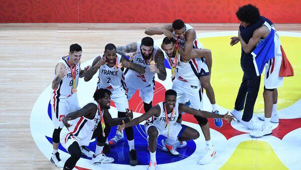 Играчи Француске са бронзаним медаљама - Sputnik Србија