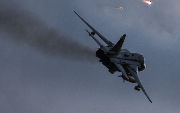 Бомбардер Су-24 на војним вежбама Центар 2019 - Sputnik Србија