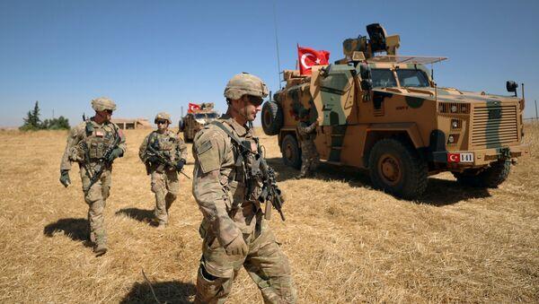 Američki vojnici na zajedničkoj američko-turskoj patroli u Siriji - Sputnik Srbija