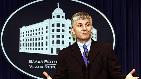 Premijer Srbije Zoran Đinđić na konferenciji za medije u Vladi Srbije - Sputnik Srbija