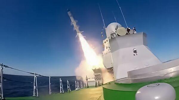 Prvo lansiranje krstareće rakete H-35 Uran sa broda Smerč - Sputnik Srbija