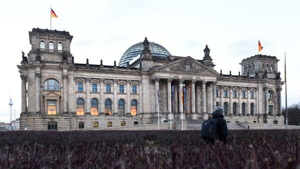 Зграда Рајхстага у Берлину - Sputnik Србија