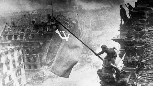 Застава СССР на Рајхстагу, Други светски рат - Sputnik Србија