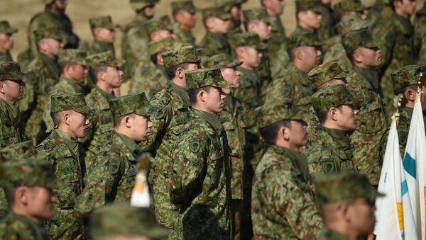 Brigada kopnene vojske snaga samoodbrane Japana za vreme vojnih vežbi, Japan  - Sputnik Srbija