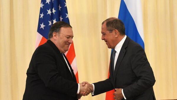 Sergej Lavrov i Majk Pompeo - Sputnik Srbija