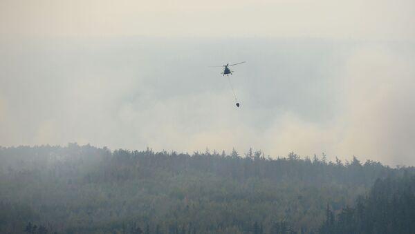 Helikopter Mi-8 gasi požar u Krasnojarskom kraju - Sputnik Srbija