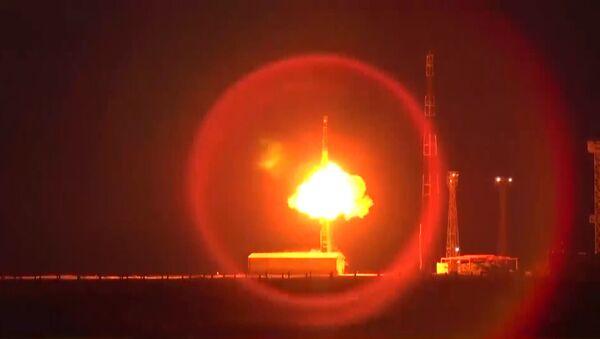 Topolj lansiran sa kosmodroma Pleseck (video) - Sputnik Srbija