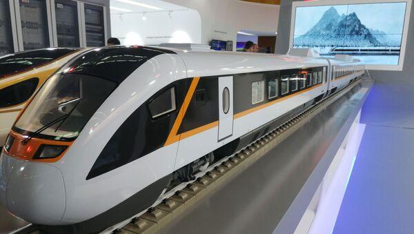 Voz može da razvije brzinu i do 350 kilometara na sat a kapacitet je 576 putnika - Sputnik Srbija