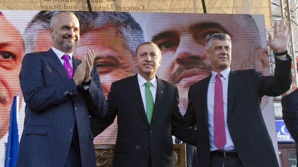 Erdogan u Prizrenu oktobra 2013. kada je izjavio da je Kosovo Tusrka  - Sputnik Srbija