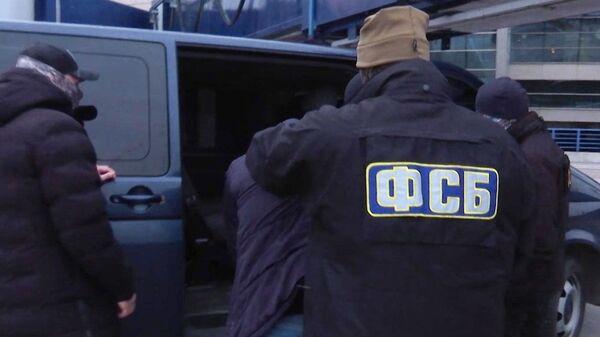 Припадници ФСБ приводе криминалце - Sputnik Србија
