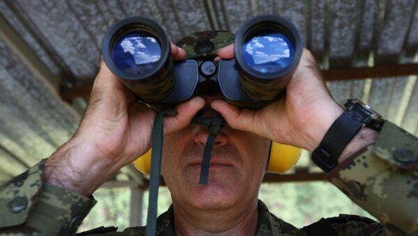 Руски војник, двоглед - Sputnik Србија