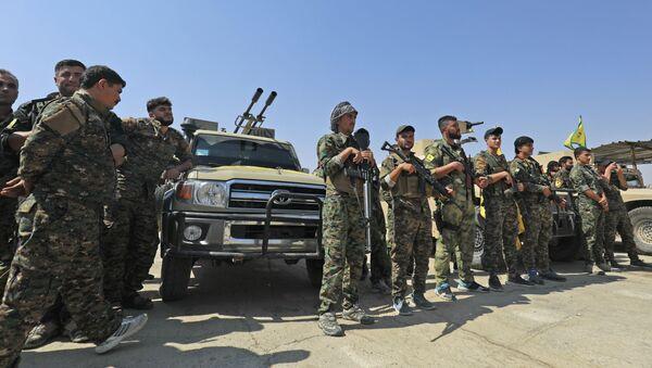 Pripadnici kurdskih Narodnih zaštitnih snaga (YPG) - Sputnik Srbija