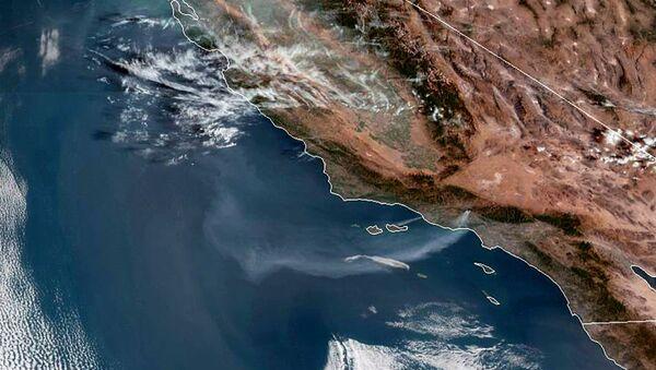 Satelitski snimak požara u Kaliforniji - Sputnik Srbija