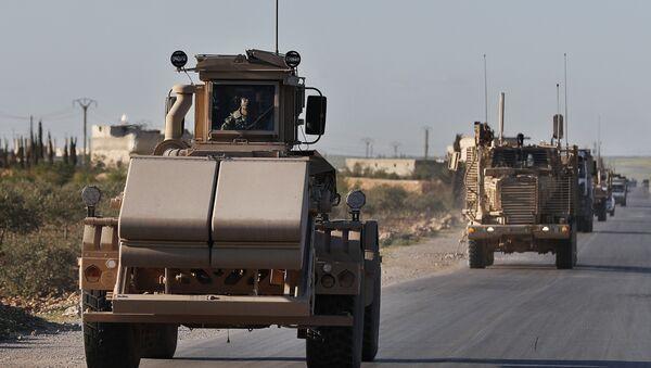 Конвој америчких оклопних возила у Сирији - Sputnik Србија