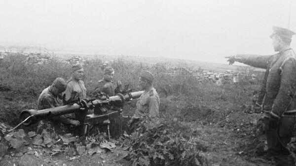 Артиљеријска батерија припадника Црвене армије на положају - Sputnik Србија