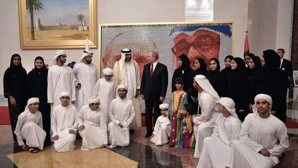 Председник Русије Владимир Путин и престолонаследник Абу Дабија Мухамед бин Зајед ел Нахјан - Sputnik Србија
