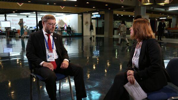 Kosačov u razgovoru sa urednicom Tanjom Trikić - Sputnik Srbija