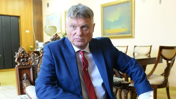 Miroslav Lazanski tokom intervjua za ruske medije - Sputnik Srbija