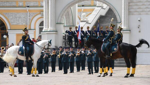 Smena konjičke straže Predsedničkog puka u moskovskom Kremlju - Sputnik Srbija