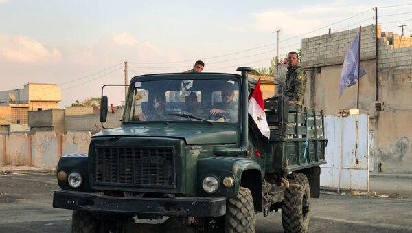 Припадници сиријских владиних снага у близини границе са Турском - Sputnik Србија