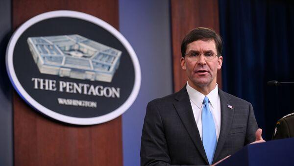 Američki ministar odbrane Mark Esper izjavio je da će oko hiljadu američkih vojnika koji se povlače sa severa Sirije otići u zapadni Irak.  - Sputnik Srbija